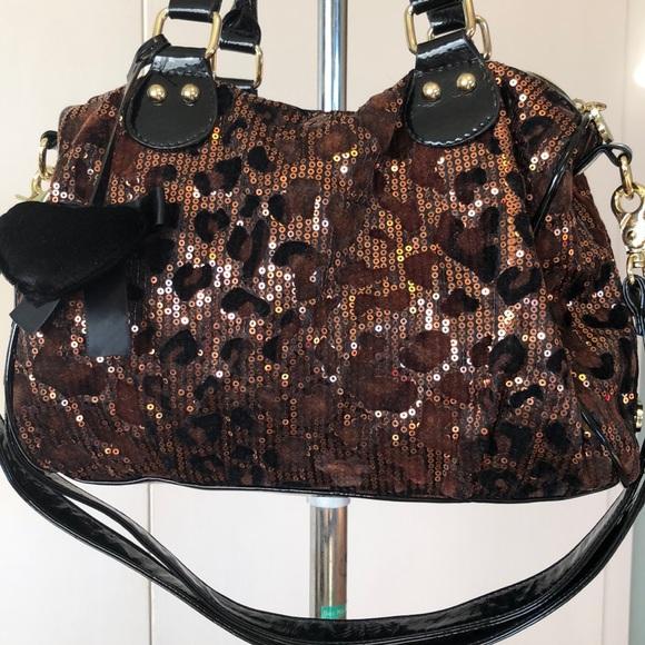 Betsey Johnson Handbags - Adorable Betsy Johnson sparkly sequins Bag